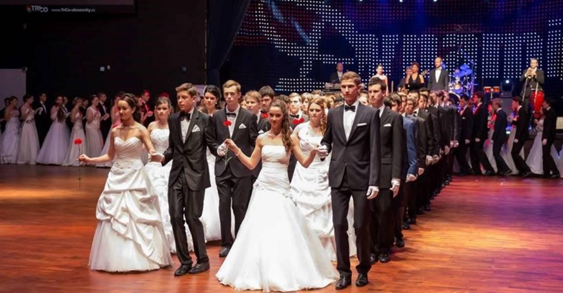 1589e3159b Zoner BOBYHALL — Tradiční ples v Brně